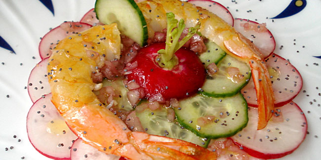 Gambas sur salade de radis rouges