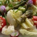 Salade de quinoa aux asperges. Les asperges arrivent et on s'en donne à coeur joie ! cuites, crues, froides ou chaudes c'est toujours un régal.