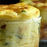 Flan aux asperges, chorizo et parmesan. Les asperges arrivent et on s'en donne à coeur joie ! cuites, crues, froides ou chaudes c'est toujours un régal.
