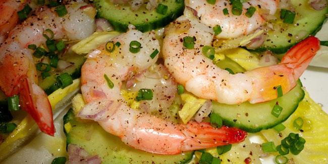 Salade de crevettes, endives et concombre