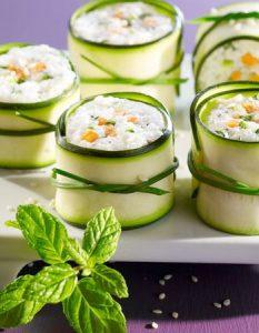 Découvrez des recettes et idées culinaire pour des moments de fête et de partage entre amis lors d'un l'apéro. makis courgette chèvre