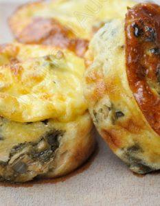 Découvrez des recettes et idées culinaire pour des moments de fête et de partage entre amis lors d'un l'apéro. moelleux saumon épinard