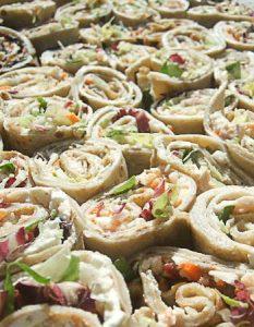 Découvrez des recettes et idées culinaire pour des moments de fête et de partage entre amis lors d'un l'apéro. galette blé noir sarasin crudité