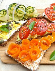 Découvrez des recettes et idées culinaire pour des moments de fête et de partage entre amis lors d'un l'apéro. Toast healthy pour l'apéro