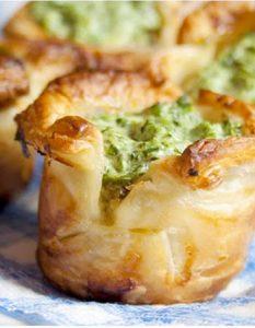 Découvrez des recettes et idées culinaire pour des moments de fête et de partage entre amis lors d'un l'apéro. épinard crème fromage