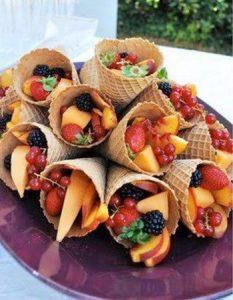 Découvrez des recettes et idées culinaire pour des moments de fête et de partage entre amis lors d'un l'apéro. cornet fruit