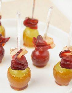 Découvrez des recettes et idées culinaire pour des moments de fête et de partage entre amis lors d'un l'apéro. raisin magret