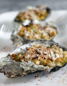 Découvrez des recettes et idées culinaire pour des moments de fête et de partage entre amis lors d'un l'apéro. huitre chaude fondue poireau