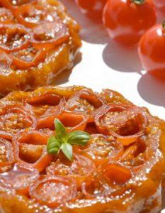 Découvrez des recettes et idées culinaire pour des moments de fête et de partage entre amis lors d'un l'apéro. tartelette tatin tomate cerise