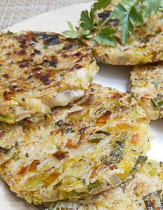 Galette de poireau (végétalien, vegan). Elaborer des recettes végétariennes (végan) à partir des produits du potager, légumes et les fruits, souvent qualifiées de recettes minceur.