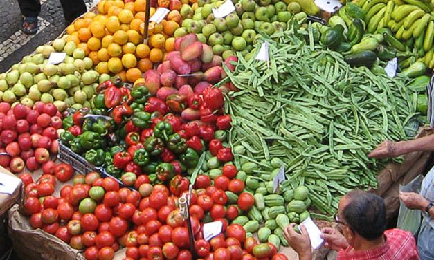 Les légumes primeurs arrivent, cuisinez leurs fanes et épluchures …
