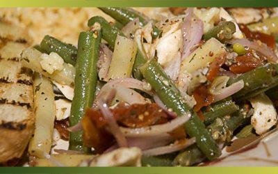 Salade de haricots fins aux bocconcinis et aux tomates séchées