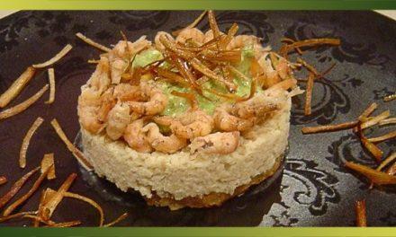 Faux risotto de chou-fleur, crevettes grises, sauce au cresson et poireau frit
