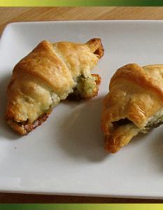 Mini croissants pesto-chèvre