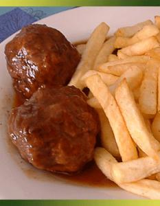 Boulets à la liégeoise frites belges